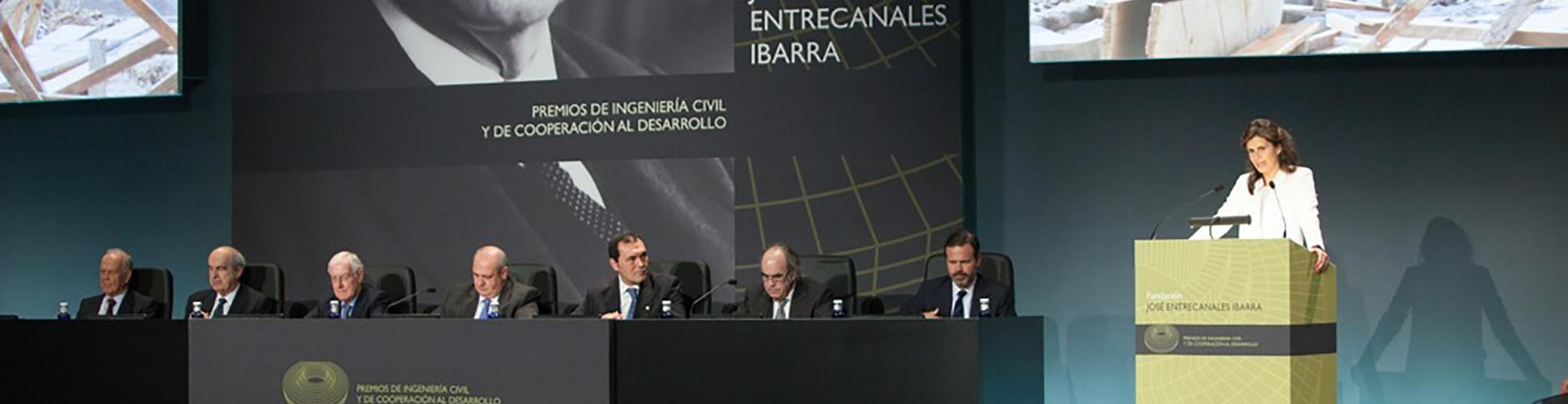 Ceremonia-de-entrega-de-los-I-II-Premios-de-la-Fundación_slide